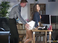 Susy Gala spreads her legs be beneficial to a friend's steadfast shaft exposed to the table