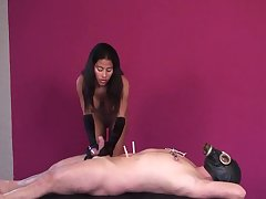 latina mistress in uppity State official coupled with gloves uses suction on slave