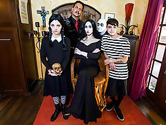 Audrey Noir & Kate Bloom fro Addams Family Orgy - FamilyStrokes