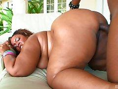 Leman a chubby ebony and jizz those impressive tits