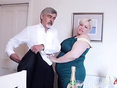 Huge mature lady with huge boobes and sexy flexuosities got fucked hardcore way