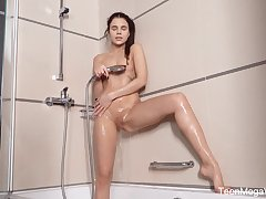 Sexual babe Emily B is toying sex-starved pussy on the floor