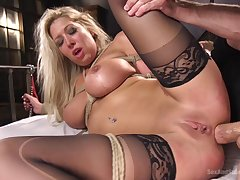 Rough pussy and mouth fucking be advisable for desirable mart Lexi Lowe