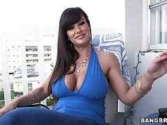 Horny MILF Lisa Ann gets her tight pussy pounded from the band together